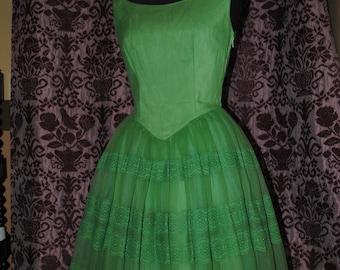 Wonderful 1950s prom dress