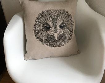 Decorative pillows, pillow covers, linen pillow, linen pillowcase, owl pillows, animal print, bird pillow