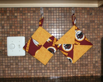 Pot Holders for the Sports Enthusiast (Set of 2)