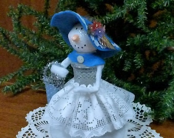 Salt Shaker Snowman, Handmade Snowman, Handmade Decoration, Paper Clay Head, Snowman Decoration, Paper Clay Snowman, Altered Salt Shaker