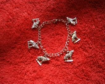 Wolf chain charm bracelet