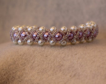 White and Light Pink Glass Bead with Clear Seed Bead Bracelet #26009