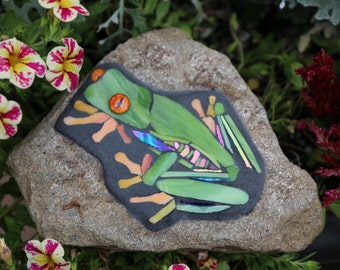 Tree frog Housewarming/Birthday Tree frog stained glass mosaic garden stone/wildlife lover