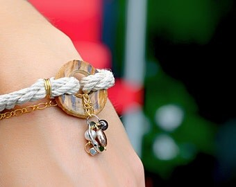 Bracelet wood