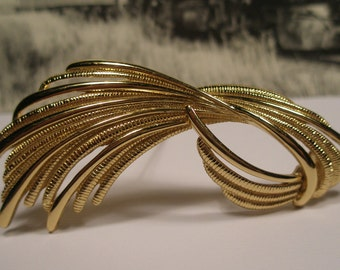 Vintage Monet brooch