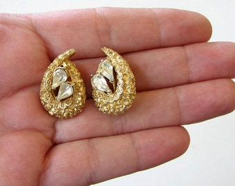 vintage signed Coro earrings . apostrophe earrings . gold and clear rhinestone clip on earrings