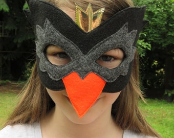 Black Swan Mask - Swan Costume Accessory - Felt Bird Mask - Mardi Gras - Halloween - Masquerade - Princess Swan