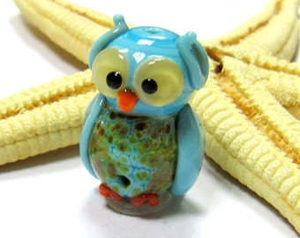 SMAUGGS handmade little owl (1p, 22mm x 15mm x 15mm), glass, turquoise, hole 2mm, SRA