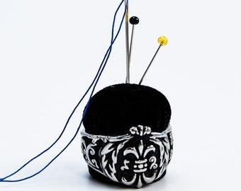 Fleur-de-lis Stainless Steel Ring Pincushion