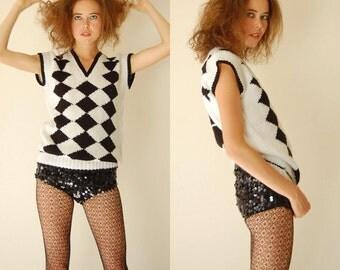 Op Art Sweater Vest Vintage 80s Black and White Diamond Graphic Op Art Slouchy Sweater Vest (s m)