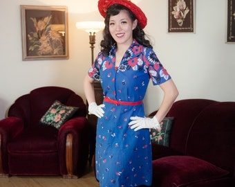 Vintage 1940s Dress - Bold Novelty Floral Border Print with Butterflies 40s Cotton Day Dress in Royal Blue, Red, Black & White