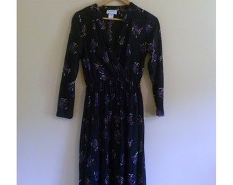 PREVIOUSLY 30.00 - Vintage 70s Black Abstract Wrap Style Dress - Size M