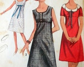 Simplicity 5961 - Extremely Cute Mod Dress - Petal Collar - Vintage 1960s Pattern - Empire Waist - Size 10 (Bust 31) - Teen, Juniors, Sweet