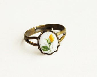 Yellow Rose Ring Victorian Floral Cameo Ring Vintage Limoge Small Yellow Flower Ring Adjustable Jewelry Yellow Vintage Style Rose