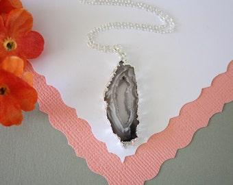 Geode Slice, Silver Geode Necklace, Druzy Necklace Silver, BoHo Necklace, Crystal Necklace, Silver Slice Druzy, Natural, Rock, GCH86