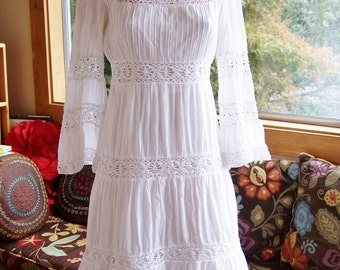 White Mexican Dress, Bell sleeve Mexican, Mexican Lace dress, Pin-tucked dress, Long sleeve Mexican, size M