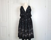 70s Jumper in Black & Blush Pink Floral- 1970s Plus Size Dress