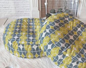 Geometric Floor Pillow // Round & Square // Midcentury Modern Living // Dorm Decor // Home Decor // Floor Cushion // Othello Design // Gray