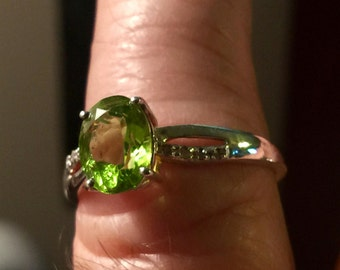 Vintage Designer Size 10 Sterling Silver and Cut Peridot Ring