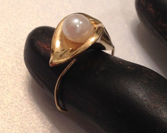 Calla Lily Ring Faux Pearl Adjustable