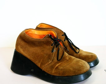 Vintage 1990s Fashion Bug CRAZY Leather Chunky Platform Shoes Size 7