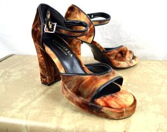 Vintage 1990s 90s Platform Velvet Chunky Heels Pumps - Womens US Size 6