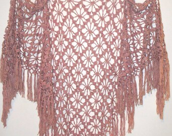 70's/80's rose~beige blend fringed openwork hand~crocheted shawl