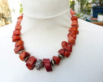 Sunshine is back -  lovely spring and summer natural  coral necklace withsterling silver, incl. earrings