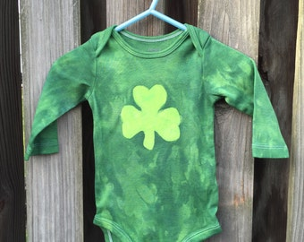 St. Patrick's Day Baby Bodysuit (6 months), Green Shamrock Baby Bodysuit, Baby Shamrock Bodysuit, Irish Baby Gift