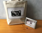 The Argus C3 - Vintage Camera Photograph on a Natural Canvas Bag - Essentials Tote