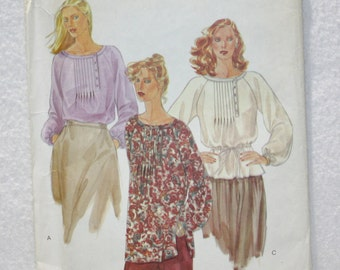 "Size 8 Bust 31.5""  Vogue  Vintage  80s Sewing Pattern 7176  Blouse with Raglan Sleeves, Pintucks"
