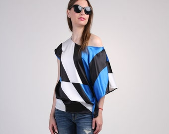Asymmetric Blouse with Short Sleeve - Abstract Blue