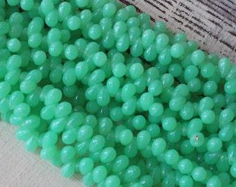 6x4mm Teardrop Beads  - Jewelry Making Supply - Czech Glass Beads - 4x6mm Tear Drop Bead (Choose Amount) Mint Green Opaline