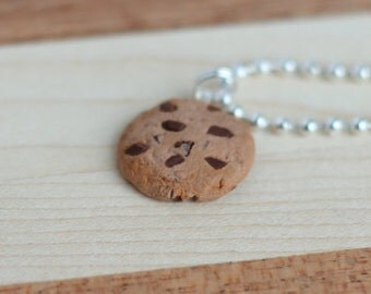 Chocolate  chip cookie necklace.