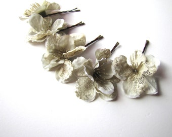 Pale Green Flower Hair Pin Set, Light Sage Green Bobby Pin Flowers with Lace