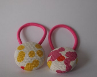 Set of two ponytails