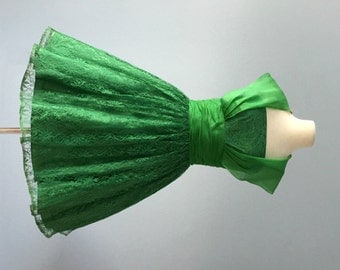 Vintage 1950s Dress...Jr. Theme Green Lace Party Dress Bridesmaid Dress