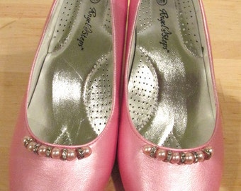 Pink Pearl Rhinestone Shoes.  Pink Formal Shoes.  Wedding Shoes.  Pink Shimmer Shoes.