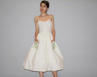 1940s White Cotton Embroidered Oversized Pockets Dress  - 40s Cotton Dress - Informal Cotton Wedding Dress  - 4014