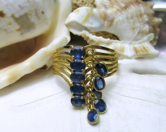 14k Sapphire Charm Ring Dangle Ring 2 carats 3.4 grams Size 9