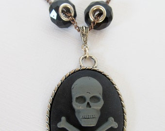 Pirate Skull and Crossbones with Beads Necklace