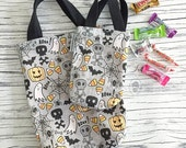 halloween trick or treat sack -- spooktacular grey
