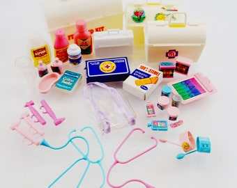 Barbie Medical Doctor equiptment nurse Vet medicine Medic Vintage Mod Doll Mattel Accessoriesn 70s 80s 90s Pastel Pink Kawaii Miniature