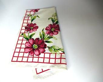 Pink Tea Towel 1960s Pink Daisy Cotton Print Dish Towel Vintage Kitchen Towel