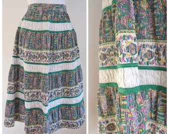 1940s Green novelty print cotton skirt / 40s printed A line skirt - S