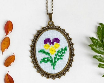 Pansy necklace - hand embroidered botanical necklace n069