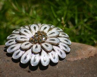 Vintage flower brooch, Brooch, Rhinestone Brooch, Jewelry, Flower Brooch, Wedding, Bridal, Vintage Jewelry