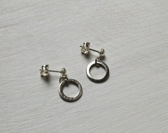 halo -earrings (simple minimal everyday circular geometric infinity circle gold plated earrings)