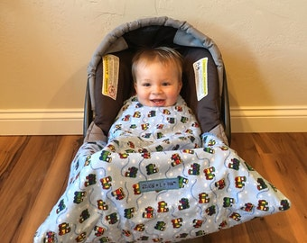 car seat cover,Car Seat Blanket, Train Snug L Bee, infant winter blanket, baby carrier blanket, winter travel, baby gift, baby blanket, boy