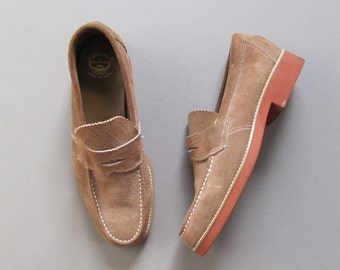 Vintage 1960s Florsheim Worthmore Suede Loafers. 60s Trad Ivy Light Tan Penny Loafers. Size US 9D EU 42